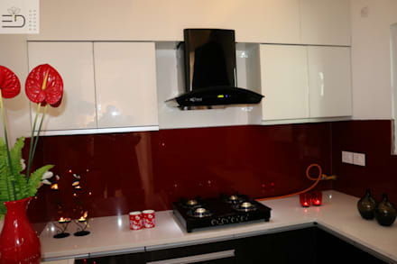 Modular Kitchen With Chimney and Platform Stove: modern Kitchen by Enrich Interiors & Decors