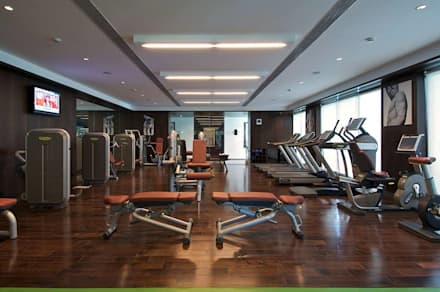 Lodha Bellissimo Clubhouse: modern Gym by Racheta Interiors Pvt Limited