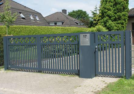 Modell Fehmarn - Toranlage aus Aluminium:  Vorgarten von Nordzaun
