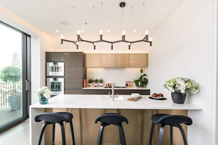 Attico a Bologna: Cucina in stile in stile Moderno di GIOInterni