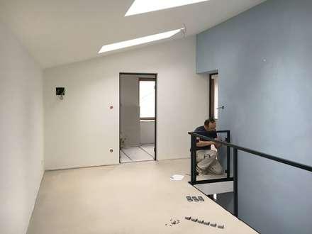 Modernisierung Haus W:  Flur & Diele von Fiedler + Partner