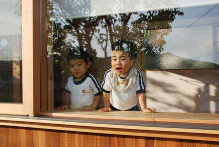 児島の小さなアトリエ Tiny atelier: 丸菱建築計画事務所 MALUBISHI ARCHITECTSが手掛けた窓です。