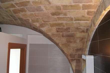 Laboratorio Stagisti Faraone Industrie Spa: Studio in stile in stile Eclettico di Danilo Di Lorenzo Di Michele