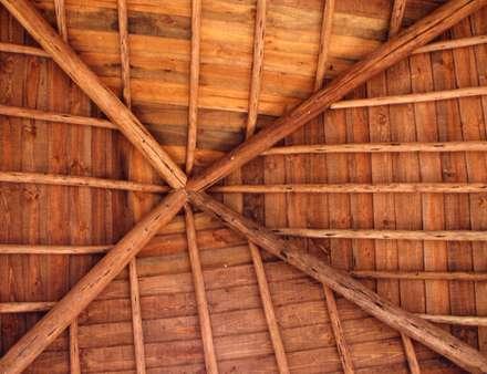 Вальмовые крыши в . Автор – Pedro de Almeida Carvalho, Arquitecto, Lda