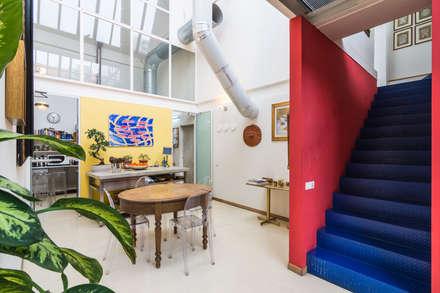 Fotografie Loft industriale || Foto di ZEROPXL: Sala da pranzo in stile in stile Industriale di ZEROPXL | Fotografia di interni e immobili