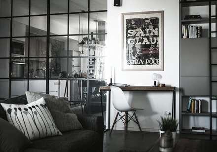 Casa N: Studio in stile in stile Moderno di Giulia Brutto Architetto