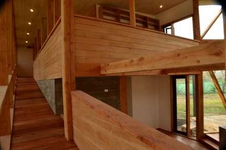 Balcon: Estudios y biblioteca de estilo  por PhilippeGameArquitectos