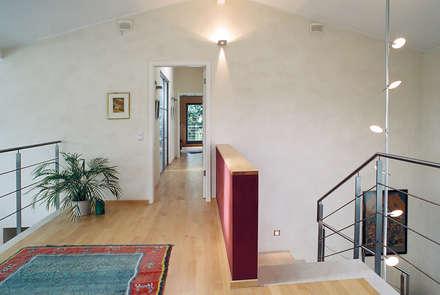 flur diele einrichtung ideen inspiration und bilder homify. Black Bedroom Furniture Sets. Home Design Ideas