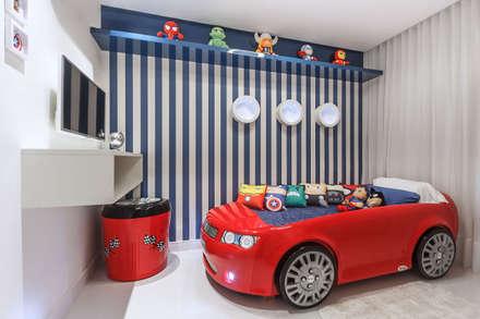 Apartamento Reserva: Quarto infantil  por DUE Projetos e Design