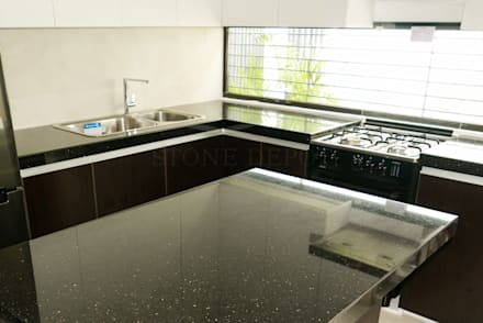 Black Galaxy Granite Kitchen Countertop and Island in Talisay City: modern Kitchen by Stone Depot