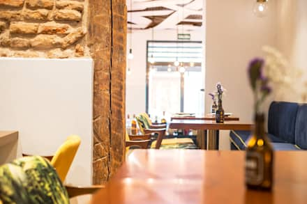 : Bar & Club in stile  di Tarimas de Autor