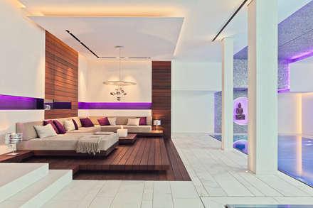 Villa mit Stil und voller technischer Finessen - Hightech-Wohnen: modernes Spa von Gira, Giersiepen GmbH & Co. KG
