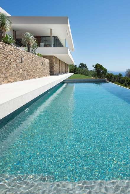 Infinity pool by Raphaël Henry-Biabaud