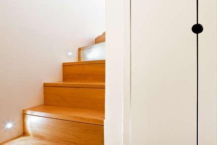 duplex : Escalier de style  par la beau d'architecture