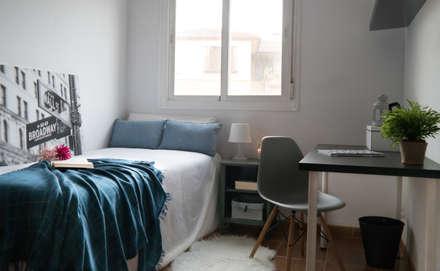 Vivienda en alquiler en Benagalbón: Habitaciones juveniles de estilo  de Yola Rodriguez Home Staging
