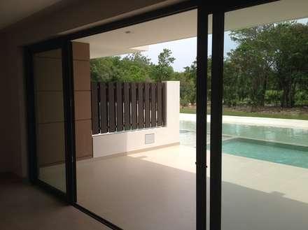 The Perfect Studio Apartment - Designer-Look Under $4000 Dollars  (2014):  Floors by James Grey Interiors