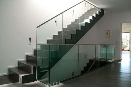 Sichtbeton Treppe:  Treppe von Grotegut Architekten