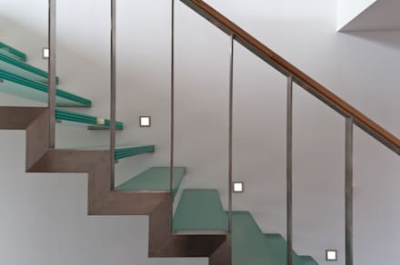 Glastreppe:  Treppe von Grotegut Architekten