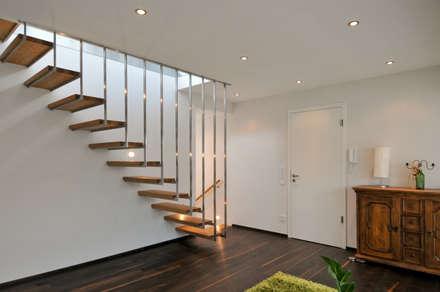 Hängetreppe:  Treppe von Grotegut Architekten