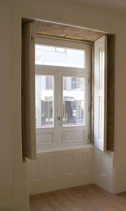 Деревянные окна в . Автор – José Melo Ferreira, Arquitecto