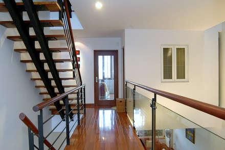 Corridor & hallway by Công ty TNHH Xây Dựng TM DV Song Phát