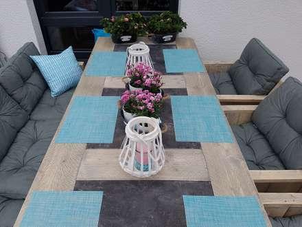 Klein aber Fein:  Terrasse von Pomp & Friends - Interior Designer
