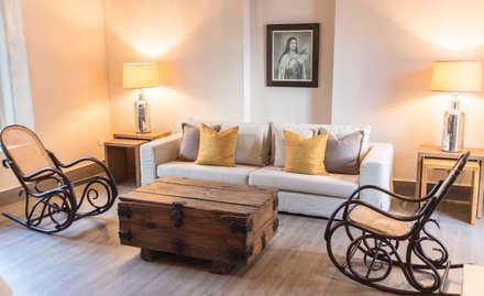 HACIENDA SANTA CRUZ DE PAPARE: Habitaciones de estilo colonial por Maria Teresa Espinosa