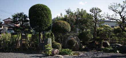 広縁: 塚野建築設計事務所が手掛けた庭です。