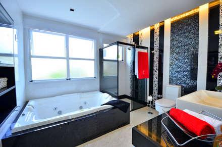 RESIDÊNCIA NA CIDADE: Banheiros clássicos por Maciel e Maira Arquitetos