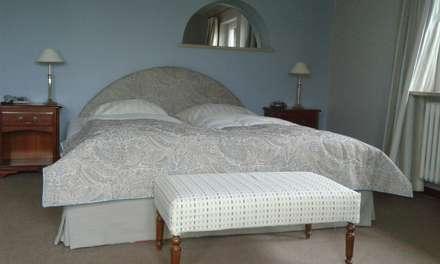 Hotelzimmer Bärenkrug Molfsee: koloniale Schlafzimmer von Die Hussenwerkstatt