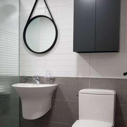 욕실: DECORIAN의  화장실