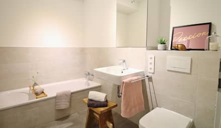 Masterbad : moderne Badezimmer von Nicole Schütz Home Staging