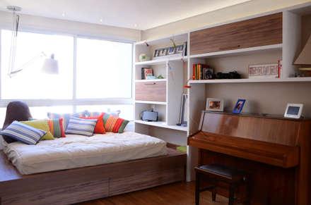 modern Nursery/kid's room by okna arquitetura