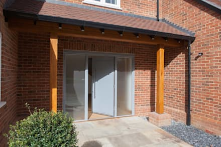 Brown Oaks - after:  Doors by Hampshire Design Consultancy Ltd.