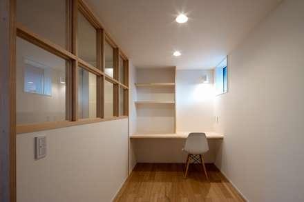 上島田の家/House in kami-shimata: アトリエセッテン一級建築士事務所が手掛けた子供部屋です。