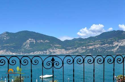 Blick vom Balkon:  Terrasse von Lago di Garda Immobilien