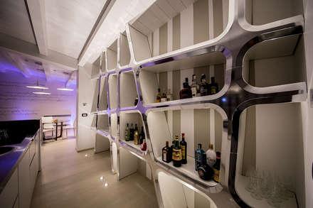 evoluzione intima: Cantina in stile in stile Moderno di Studio di Segni