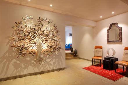 走廊 & 玄關 by Mahesh Punjabi Associates
