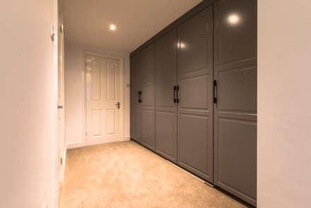 Oak Framed extension: modern Dressing room by John Gauld Photography