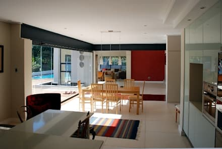 Renovations to House Crawse: modern Dining room by The Matrix Urban Designers and Architects