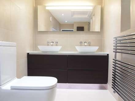 His U0027nu0027 Hers Ensuite: Modern Bathroom By DeVal Bathrooms