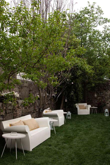 Jardines delanteros de estilo  de SHI Studio, Sheila Moura Azevedo Interior Design