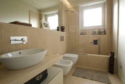 ห้องน้ำ by gambardella e  rossi architetti