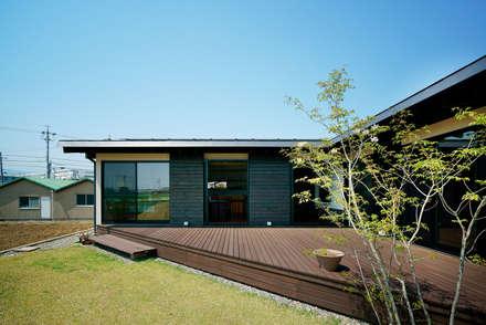 Jardins asiáticos por H建築スタジオ