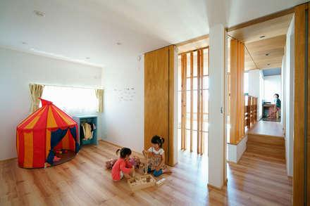 asian Nursery/kid's room by H建築スタジオ