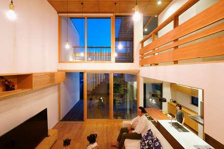 asian Living room by H建築スタジオ