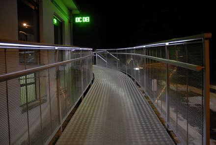 CATWALK: Cliniche in stile  di Enzo Cantoni Architetto
