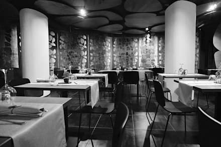 JEANS restaurant: Bar & Club in stile  di Studio ARCHEXTE' _ Vincenzo Castaldi Architetto