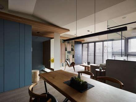 scandinavian Dining room by 築青室內裝修有限公司