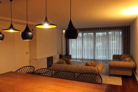 Sala de Estar: Salas de estar industriais por NOZ-MOSCADA INTERIORES